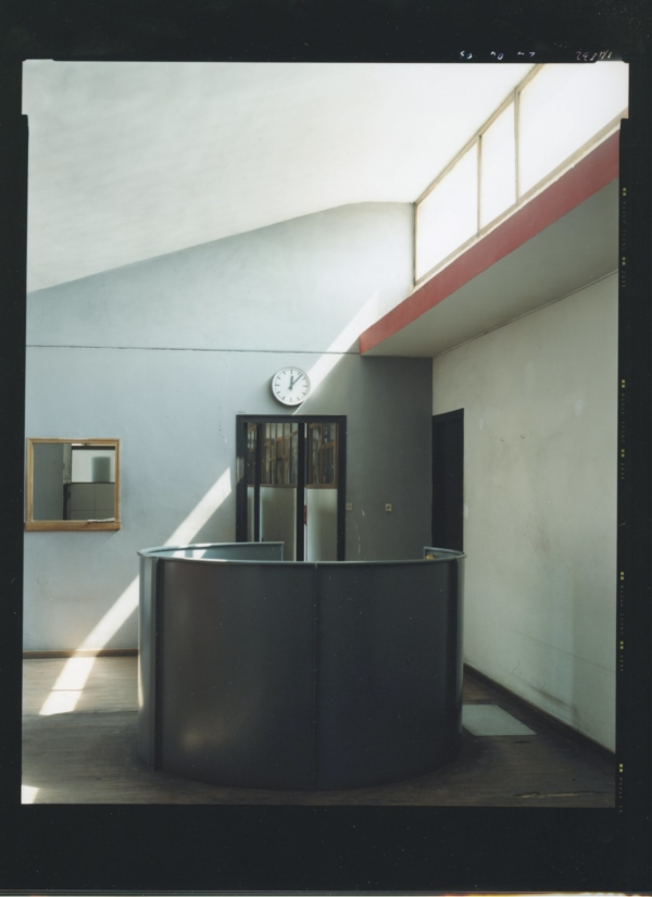 1. Guido Guidi, Le Corbusier, Usine Duval, 2003